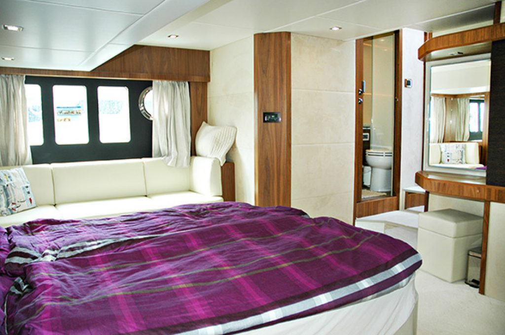 carpe diem 2 absolute 52 fly skipper bootshandel. Black Bedroom Furniture Sets. Home Design Ideas