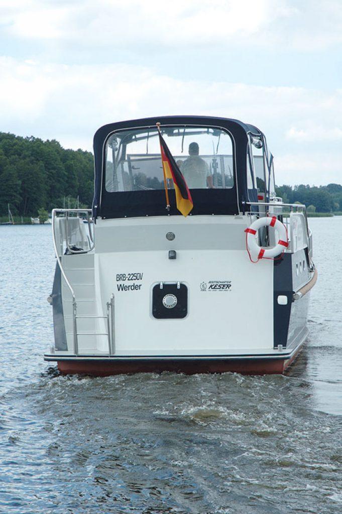 S31 6 Boot von achtern